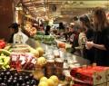 Famílias aumentam intenção de consumo pelo 3º mês, vê CNC